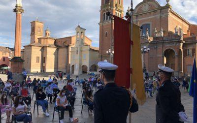 Il sindaco Fausto Tinti consegna la Costituzione ai 18enni (fotogallery)