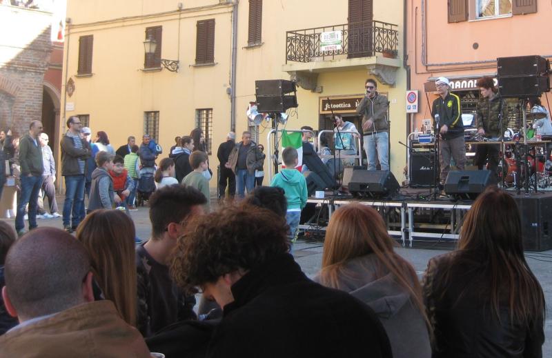 25 aprile liberamusica piazza Galvani Castel San Pietro Terme