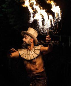 artincirco spettacolo castel san pietro terme festival arti performative spettacolo lumi