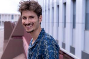 Passeggiando per Castello Tomas Acosta attore